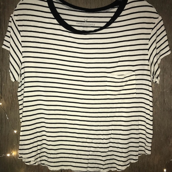 American Eagle Outfitters Tops - American Eagle Cropped T